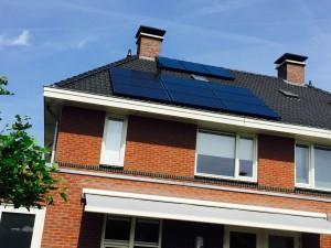 Solarwatt glas-glas zonnepanelen met perc zonnecellen in Meppel geplaatst. Zonnepanelen Steenwijk Zonnepanelen zwolle