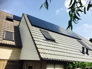 TSMC zonnepanelen op 3 fasen aansluiting met Solarwatt StecaGrid omvormer Ruinerwold Meppel Steenwijk en Zwolle