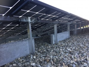 Solarwatt Glas glas zonnepanelen in Berggierslanden Meppel gelengd op plat dak met schans Zonnepanelen best getest door de consumentenbond Steenwijk Zwolle